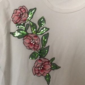 Zara embroidered T-shirt Size L